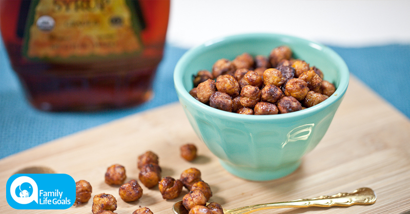 Sweet roasted chickpeas with cinnamon, maple syrup and a ton of antioxidants