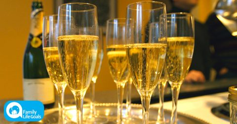 Image of Drinking 3 glasses of champagne 'could help prevent dementia and Alzheimer's disease'