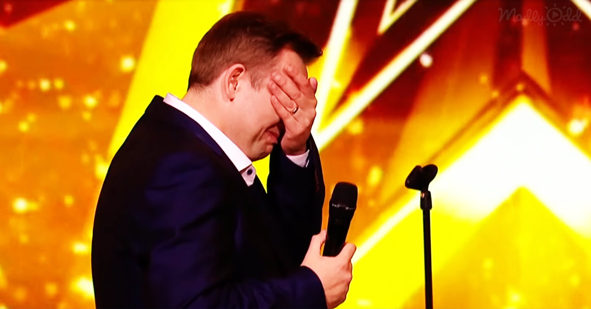 Man Performs Awesome Rendition Of Elvis, Prompting The Judge To Hit The Golden Buzzer