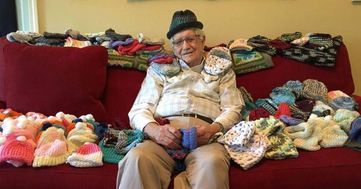 86-year-old Grandfather Teaches Himself To Knit To Make Little Caps For Premature Babies