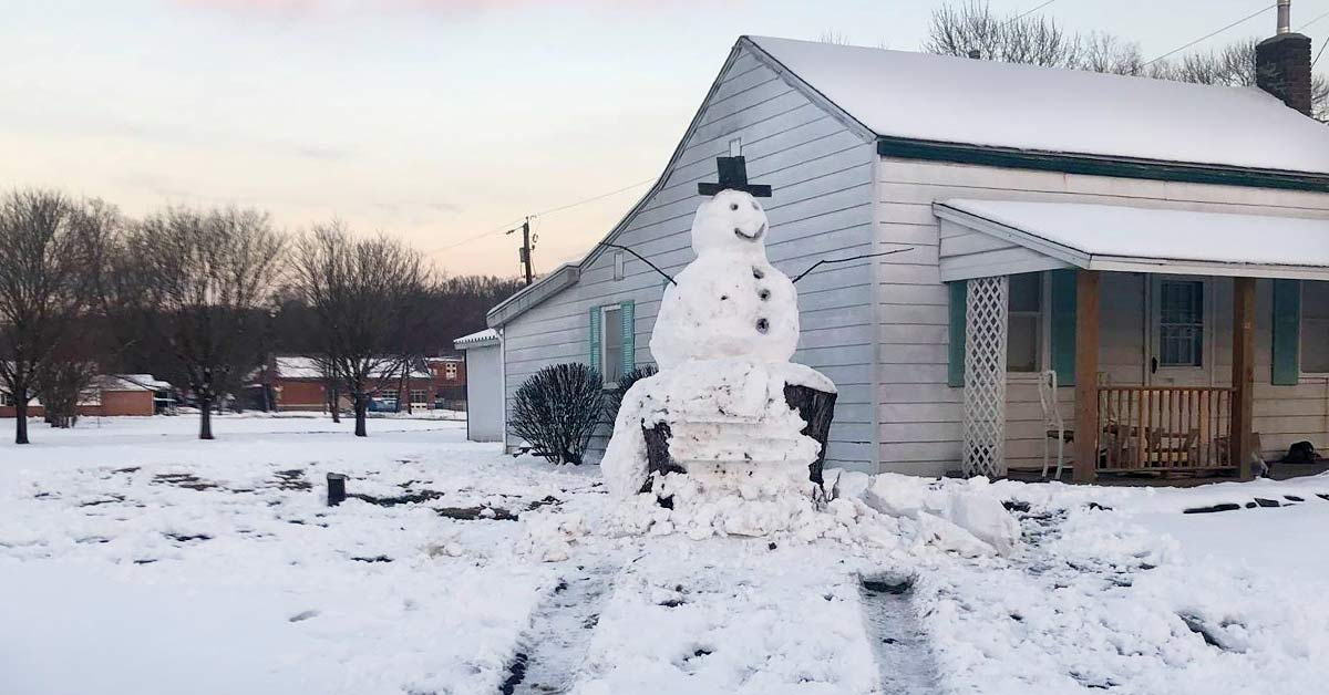 Driver Attempts to Destroy Giant Snowman, Not Realizing It's Built On a Large Tree Trunk
